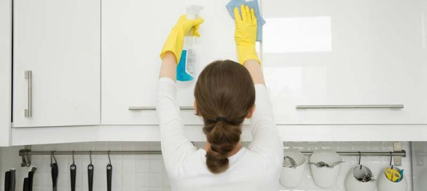 پاک کردن لکه های چرب از آشپزخانه